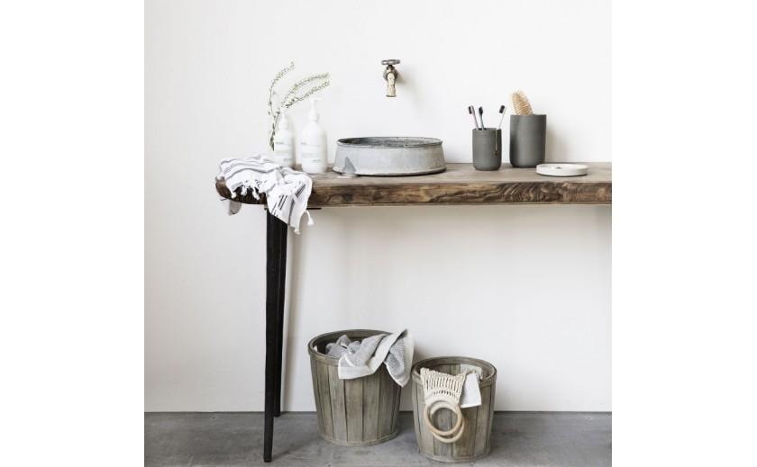 ¿Cómo decorar un cuarto de baño pequeño y darle amplitud?